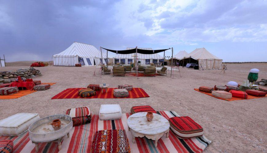 Au-désert-d'Agafay,-une-pause-spirituelle-dans-la-Terre-des-Étoiles-1